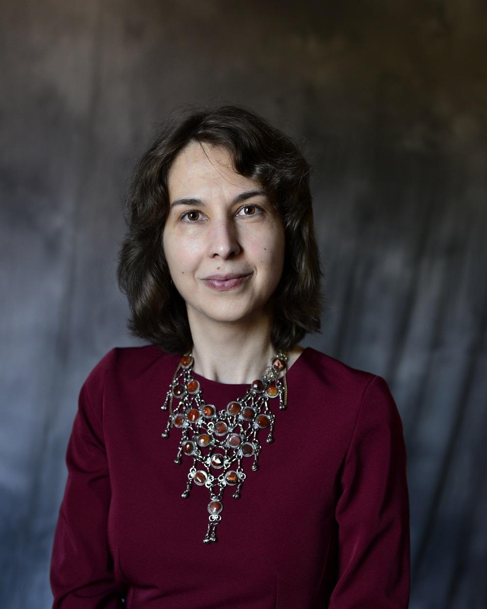 Gabriela Vlahovici head shot